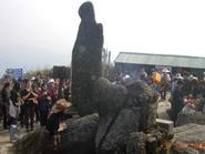 Chuyện lạ quanh bức tượng đá mang hình người giữa Yên Tử