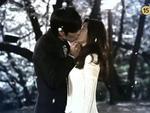 Nụ hôn nồng cháy của Jang Dong Gun và Kim Ha Neul