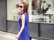 Trang phục màu xanh hút ánh nhìn