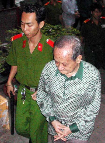 TP.HCM : Ông cụ thất thập cổ lai hy môi giới mại dâm