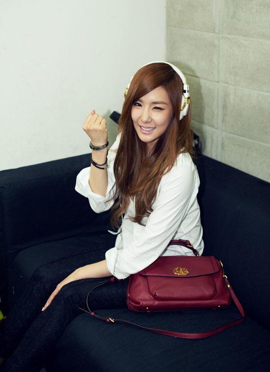 [03.10.2012][News] Tịt phân nâu (SNSD) đẹp ở mọi góc độ Tiffany3