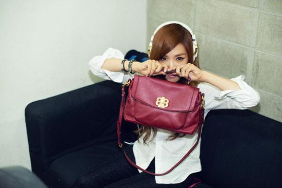 [03.10.2012][News] Tịt phân nâu (SNSD) đẹp ở mọi góc độ Tiffany4