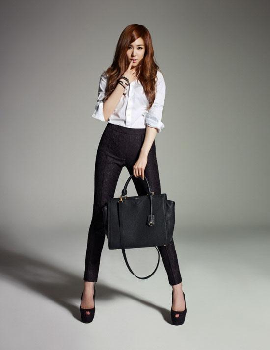 [03.10.2012][News] Tịt phân nâu (SNSD) đẹp ở mọi góc độ Tiffany10