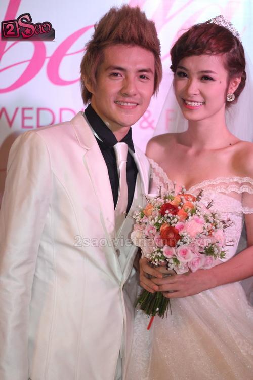 Đông Nhi mặc váy cưới e thẹn hôn Ông Cao Thắng