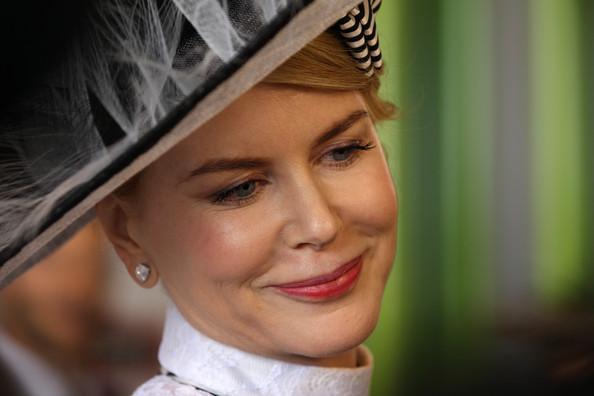 quotThien nga nuoc Ucquot Nicole Kidman dien mu nhai