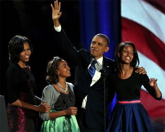 Ngam phong cach thoi trang nha Obama trong ngay tai dac cu