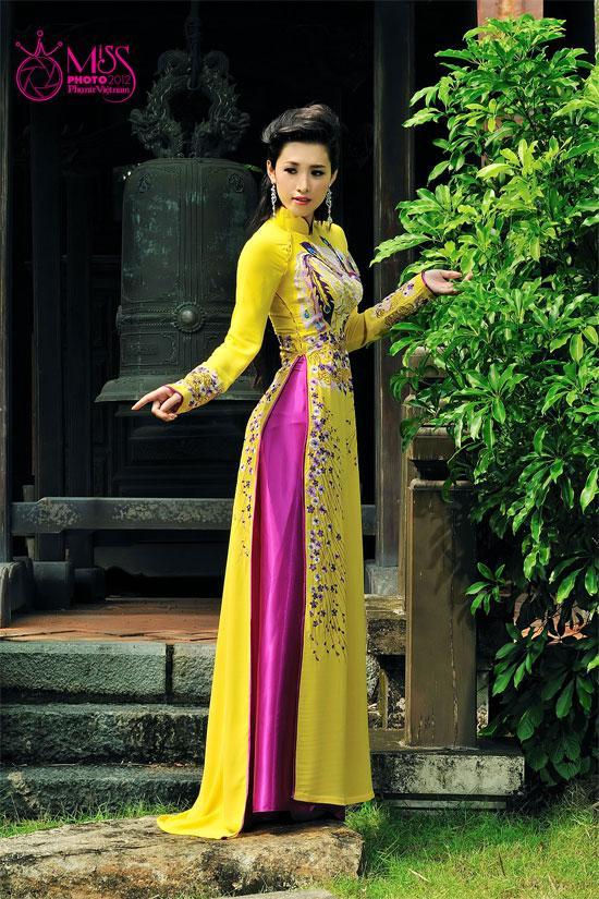 Nhung shoot hinh dep cua Hoa hau phu nu VN qua anh 2012
