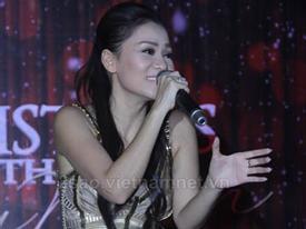 CLIP: Cười nghiêng ngả nghe Thu Minh hát cải lương
