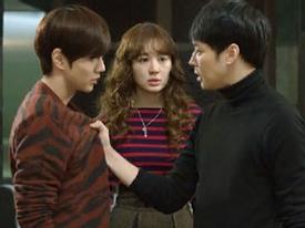 Yoochun và Yoo Seung Ho 'nổi điên' vì Yoon Eun Hye