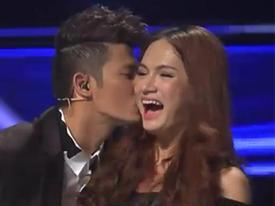 Vietnam Idol: Yasuy, Huy Khánh 'cưỡng hôn' Hương Giang 'chuyển giới'