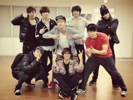 Lộ ảnh mệt mỏi của các hotboy đẹp trai nhất nhà SM Ent