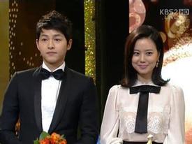 'Sói' Song Joong Ki và Moon Chae Won thắng lớn ở lễ trao giải KBS 2012