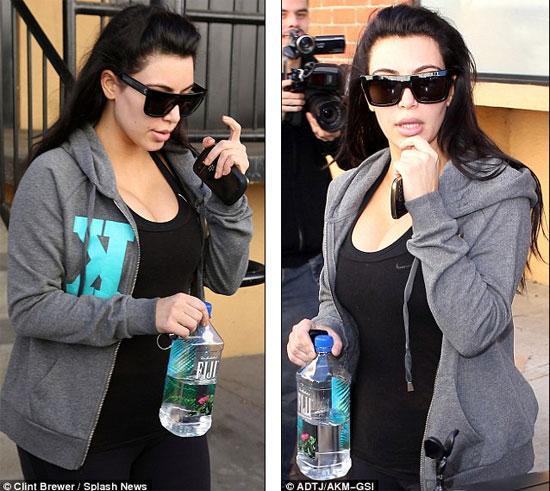 Sieu vong 3 Kim Kardashian khong mac quan lot ra duong