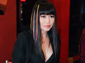Linda Trang Đài diện áo cực sexy và tóc màu mè