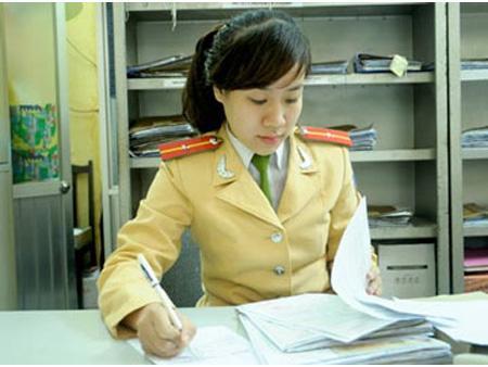 Xã hội - 'Hoa khôi' cảnh sát đứng bục không sợ bị sàm sỡ