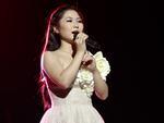 HOT: Hương Tràm 'đụng hàng' Uyên Linh sau The Voice