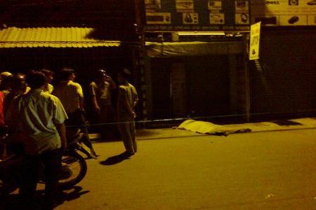 nam sinh vien bi sat hai, tin an ninh hinh su, sinh vien bi giet - 1  Nam sinh viên đại học Luật - Kinh tế tpHCM bị đâm chết trong đêm n2