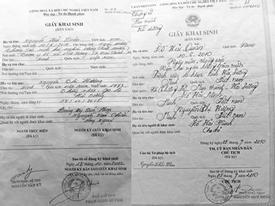 Cậu bé có hai giấy khai sinh mang hai họ khác nhau