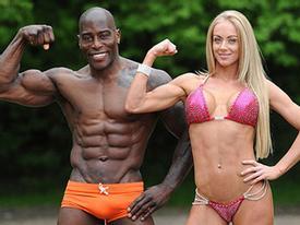 Cặp vợ chồng cùng vô địch thể hình thế giới
