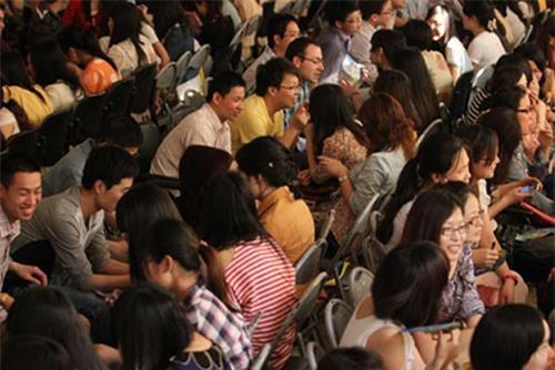Phụ nữ Trung Quốc đổ xô đi học lớp 'săn chồng'