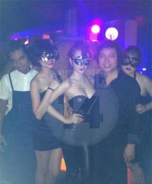 """Angela Phương Trinh - """"Nữ hoàng"""" quán bar? - 2"""