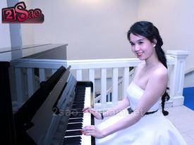 Ngọc Trinh ngồi đệm đàn, Angela Phương Trinh lạ lẫm với tóc ngắn