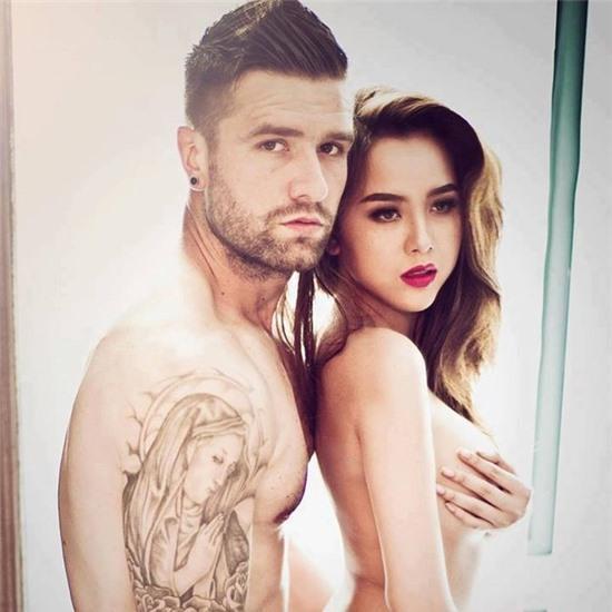 Nữ DJ Myno bất ngờ khoe ảnh khỏa thân bên bạn trai