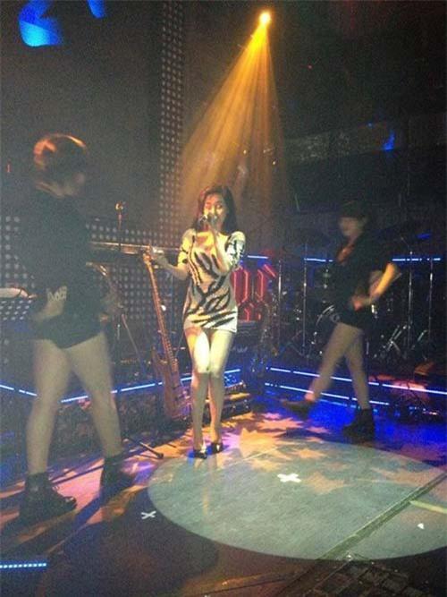 Lộ ảnh Bà Tưng bất ngờ biểu diễn ở bar tại Sài Gòn