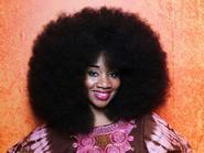"""Lạ nhất tuần qua: Người phụ nữ có mái tóc xoăn """"khủng"""" nhất thế giới"""
