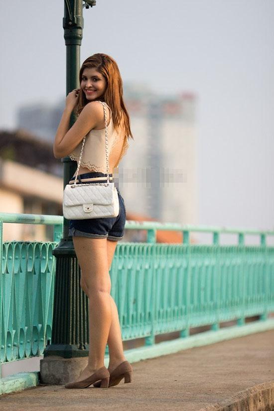 Xã hội - 'Tăm tia' khuyết điểm ngoại hình của hot girl Việt (Hình 19).