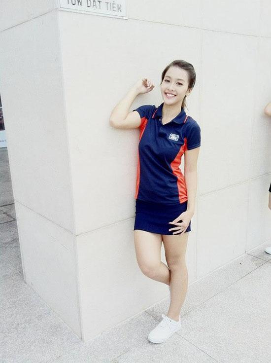 Xã hội - 'Tăm tia' khuyết điểm ngoại hình của hot girl Việt (Hình 29).
