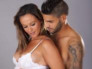 Bồ cũ ngực trần của C. Ronaldo sinh em bé