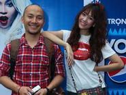 Hari Won hồn nhiên cười tươi bên bạn trai Đinh Tiến Đạt