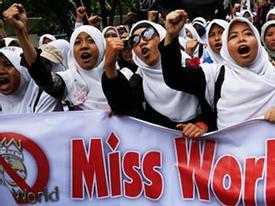 Miss World tiếp tục bị người Hồi giáo biểu tình đòi hủy bỏ