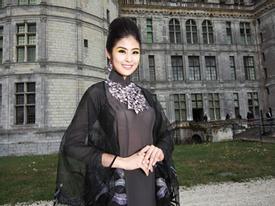 Ngọc Hân mang hương sắc Việt Nam sang kinh đô thời trang