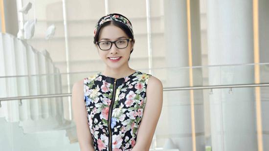 YaYa Trương Nhi váy hoa xinh tươi trên đất Hàn
