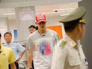 Hankyung (Suju) xuất hiện chớp nhoáng ở sân bay Đà Nẵng