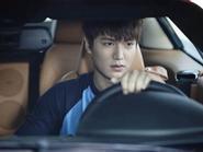 'Run rẩy' ngắm Lee Min Ho đẹp trai ngời ngời trong The Heirs
