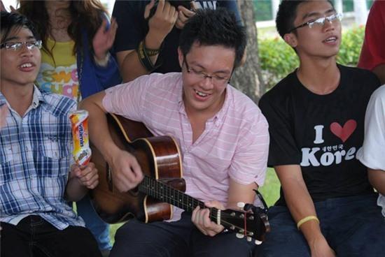 9X Việt làm tổng biên tập báo đại học Mỹ