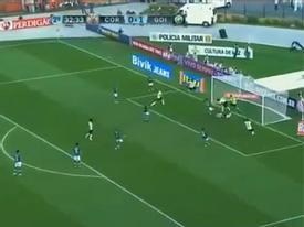 Bàn thắng 'siêu rùa' của tiền đạo Pato