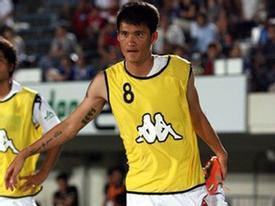 Công Vinh không được vào sân, CLB Sapporo thua 3-4