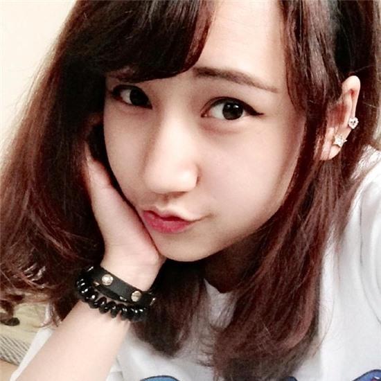 Cô chị của cặp 9X sinh đôi xinh đẹp là Á hậu người Việt