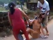Người đàn bà đánh ghen, lột quần áo tình địch lãnh án