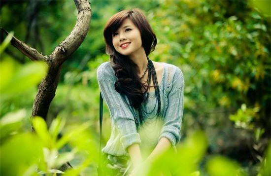 5 hot girl 'sạch' nhất showbiz Việt