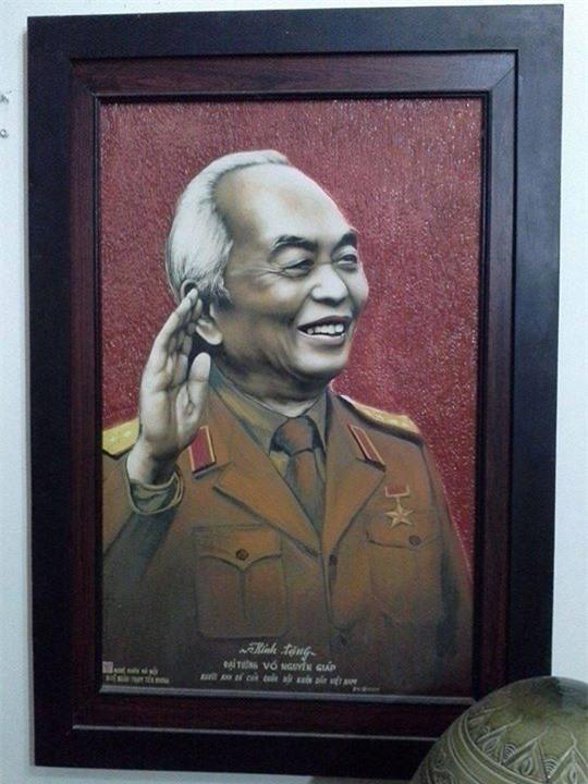 """Giới trẻ gửi """"nén hương lòng"""" dâng lên Đại tướng Võ Nguyên Giáp"""