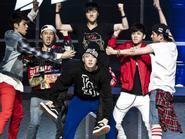 Fan choáng váng vì quyết định tàn nhẫn của chủ tịch YG