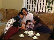 Hoài Linh cứu Minh Nhí thoát cảnh nợ nần chồng chất