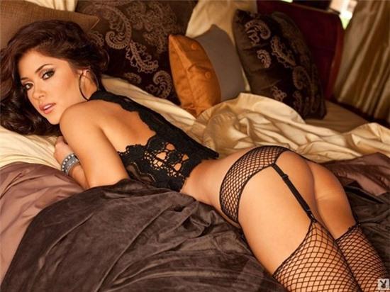 Ngôi sao thể thao Arianny lần đầu khoe ảnh nude 100% trên tạp chí đàn ông
