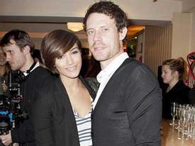 Vợ sắp cưới của Wayne Bridge sinh con trai