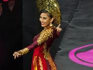 """Miss Universe 2013: Trương Thị May chấp nhận """"u đầu mẻ trán"""" để tỏa sáng"""